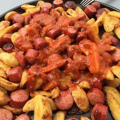 Zauberhafte Leckereien mit Martina Ziehl: Currywurst mit Westernkartoffeln auf dem Grillstei... Nacho Dip, Pampered Chef, Nachos, Sausage, Potatoes, Meat, Vegetables, Online Katalog, Food