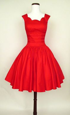 Roman holiday red party dress my style. Pretty Short Dresses, Grad Dresses Long, Modest Dresses, Pretty Outfits, Homecoming Dresses, Cute Dresses, Vintage Dresses, Beautiful Dresses, Casual Dresses