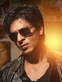 Shahrukh Khan the King Bollywood Stars, Shahrukh Khan, Mumbai, Celebrity Sunglasses, Indian Star, Girls Magazine, Flynn Rider, King Of Hearts, Star Wars