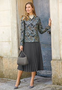 Her nice pleated skirt suit gives this virtuous Christian lady, the elegant church lady look that she loves so much! Black Pleated Skirt, Sexy Skirt, Dress Skirt, Pleated Skirts, Skirt Suit, Irish Fashion, Female Fashion, Accordion Skirt, Bow Tie Blouse