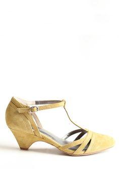 cool as cucumber heels ++ bc footwear - love the vintage vibe and low heel.