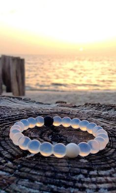 Mud from the Dead Sea in the black bead, water from Mt Everest in the white bead: the highest and lowest points on earth. So whether you're on top of the world or just down on your luck, the live lokai bracelet reminds you to stay humble, hopeful to alway Stay Humble, Top Of The World, White Beads, Girls Best Friend, Jewlery, Bead Jewellery, Crystal Jewelry, Cool Stuff, Stuff To Buy