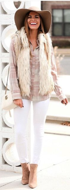 Brown + Grey Button-Up Long-Sleeve Collared Top + White Fitted Jeans + Brown Hat + White Shoulder Bag. White Denim Jeans, White Pants, Jeans Fit, Vest Outfits, Fashion Outfits, Women's Fashion, Fashion Clothes, Prom Dresses With Pockets, Cute Winter Outfits
