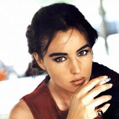 Image about beauty in monica bellucci by trix Monica Bellucci Joven, Malena Monica Bellucci, Monica Bellucci Young, Monica Belluci, Smoking Ladies, Girl Smoking, Smoking Pics, Stephane Audran, Bella Beauty