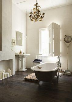 Master Bath ~ Claw Foot Tub ~ Chandelier