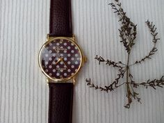 Reloj color chocolate :) con topitos!!! http://sondemar.tictail.com/products/relojes