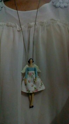 So cut, want one! Doll Crafts, Diy Doll, Doll Quilt, Bear Doll, Waldorf Dolls, Fabric Jewelry, Pretty Baby, Fabric Dolls, Beautiful Dolls
