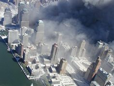 This Day in History:  Sep 11, 2001: Attack on America dingeengoete.blogspot.com http://gigawallpapers.com/image/800x600/gigawallpapers.com_800x600_september-11-2001-attacks-on-new-york-city-american-world-trade-center-burning-to-ashes.jpg