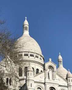 "64 Synes godt om, 3 kommentarer – Angela Lund (@angelalund) på Instagram: ""Blue sky over Paris and Sacré-Coeur. * * * * #paris #travelgram #sacrecoeur #blueskies…"""