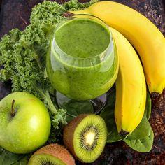 Smoothie-Rezept für einen gesunden Grünen Smoothie mit Bananen und Apfel.