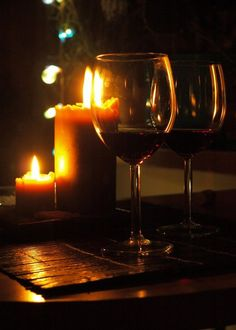 *Romantic - Wine by Candlelight Cabernet Sauvignon, Wine Candles, Candels, Romantic Things To Do, Vides, Wine Art, In Vino Veritas, Romantic Dinners, Wine Time