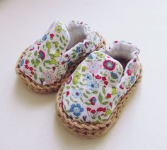 Newborn shoes Newborn crib shoes Baby floral by Pegorina on Etsy