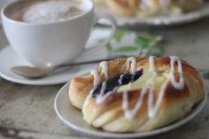 KakkuKatri: Pullaviinerit Monkey Business, Vegan Vegetarian, Vegan Recipes, Food And Drink, Pudding, Pie, Sweets, Baking, Desserts