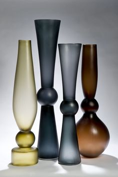 Glass Vases by Simon Moore represented at Design Days Dubai by Vessel Gallery