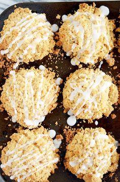 Buttermilk Cinnamon Crumble Muffins