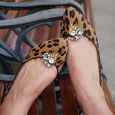Dress up a pair of flats or pumps with easy to make shoe clips made from vintage costume jewelry