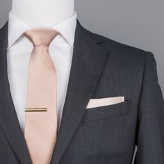 groomsmen attire ideas has NEVER been easier. Get one-on-one suggestions, custom groomsmen attire tips and coordination, and find out what to Black Suit Wedding, Wedding Men, Wedding Suits, Wedding Attire, Wedding Styles, Grey Tuxedo Wedding, Wedding Ideas, Luxury Wedding, Gold Wedding