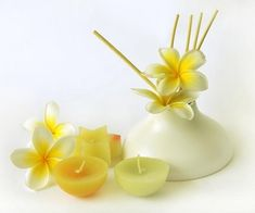 Learn how to make your own aromatherapy reed diffusers. These easy essential oil diffusers look and smell fabulous, you don't have to worry about candle safety, and they last for months. Essential Oil Diffuser, Essential Oil Blends, Essential Oils, Aromatherapy Diffuser, Diy Cleaning Products, Cleaning Tips, Natural Beauty Remedies, Aromatherapy Recipes, Diffuser Recipes