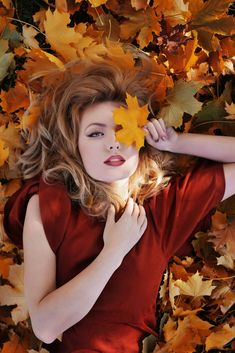 Fall by Muna Nazak on Leaf Photography, Senior Girl Photography, Portrait Photography Poses, Photography Poses Women, Autumn Photography, Fall Pictures, Fall Photos, Fall Photo Shoot Outfits, Fall Portraits