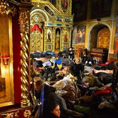 Myhailivskyi cathedral saved Ukrainian citizens after cruel slaughter made by forces 'Berkut' at night #euromaidan