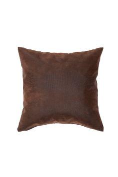 JULIUS putetrekk - slangemønstret Fyll på sofaen med en eksklusiv finpute i mykt imitert kunstskinn.<br>Materiale: Framside: 55% pu, 24% polyester, 21% bomull. Bakside: 100% bomull.<br>Størrelse: 40x40 cm.<br>Beskrivelse: Putetrekk i imitert kunstskinn.<br>Vedlikeholdsråd: Rens.<br>Tips & råd: Du fornyer enkelt rommet med nye puter. Bland ulike former, farger og strukturer, men hold sammen stilen med noen fellesnevnere.