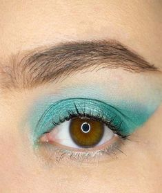 [New] The 10 Best Eye Makeup Ideas Today (with Pictures) - Look created using palette Foundation Concealer Eyeshadow base Mascara Eyebrows Makeup Trends, Makeup Tips, Makeup Ideas, Makeup Tutorials, Eyeshadow Base, Green Eyeshadow, Mascara, Eyeliner, Eyebrows