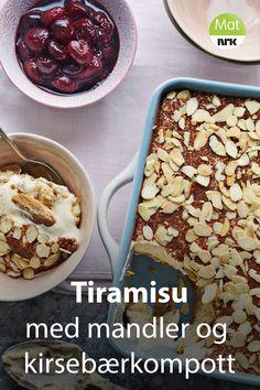 Tiramisu lager du best i en firkantet form, siden bunnen består av fingerkjeks. Gino D'Acampos kake med kaffesmak serveres med kirsebærkompott. Tiramisu, Beans, Vegetables, Breakfast, Food, Mascarpone, Morning Coffee, Essen, Vegetable Recipes