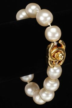 Chanel Single Strand Pearl Bracelet