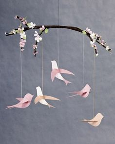 Mobile A collection of paper birds with instructions and templates - flat, origami - some cute ones here! - pb†åA collection of paper birds with instructions and templates - flat, origami - some cute ones here! Kids Crafts, Diy And Crafts, Craft Projects, Arts And Crafts, Baby Crafts, Room Crafts, Craft Ideas, Fun Ideas, Sewing Projects