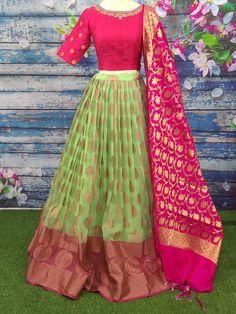 Lehenga Designs Simple, Simple Lehenga, Half Saree Designs, Indian Gowns Dresses, Indian Fashion Dresses, Indian Designer Outfits, Indian Outfits, Designer Gowns, Long Dresses