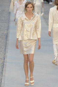 Chanel Resort 2012 Fashion Show - Rose Smith (NEXT)