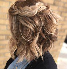 20 Haircuts for Short Wavy Hair - Short Hair Styles Short Wavy Hair, Cool Braids, Braids For Short Hair, Amazing Braids, Thick Hair, Bob With Braid, Easy Work Hairstyles, Box Braids Hairstyles, Hairstyles 2018