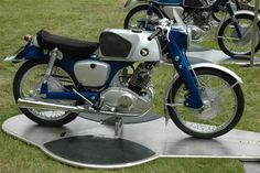 1959 Honda Benly Super Sport 125. One of those vintage motorcycles that is on the top of my list.