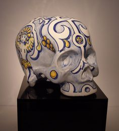 Hand painted ceramic Vanitas.  Only at OBJETOdeDESEO® Gallery/Shop Barcelona  ----Skulls=Awesomeness =D  @Tracie Rather @Erin Perez @Mellissa Brogan @Sarah Roberts