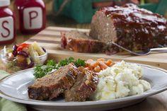 Your Family's Favorite Meatloaf   MrFood.com Mr Food Recipes, Roast Recipes, Meatloaf Recipes, Ground Beef Recipes, New Recipes, Cooking Recipes, Favorite Recipes, Hamburger Recipes, Homemade Meatloaf