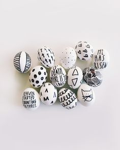 So easy and so fun! No dye Easter Eggs = Sharpie Eggs! / DIY from walk in love.