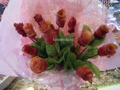 Make these maple glazed bacon roses into an edible bacony bouquet! Free Gf, Gluten Free, Bacon Bouquet, Bacon Roses, Maple Glaze, Gf Recipes, Love Food, Asparagus, Foodies