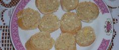 Jednoduchá tvarohová pomazánka s cibulkou   NejRecept.cz Cookies, Desserts, Food, Crack Crackers, Tailgate Desserts, Deserts, Biscuits, Essen, Postres