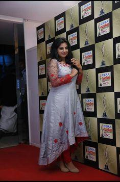 Actress Pics, Tamil Actress, Bollywood Actress, Salwar Suit Neck Designs, Churidar Designs, Red Saree, Saree Blouse, Actress Navel, Photoshoot Images