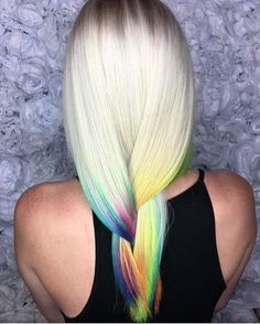💛💕 Exquisite Rainbow Color Design by @ellaschair 💙 #hotonbeauty . . . . #rainbowhair #rainbowhaircolor #mermaidhair #unicornhair #blondehair #blondebalayage #hairpainting