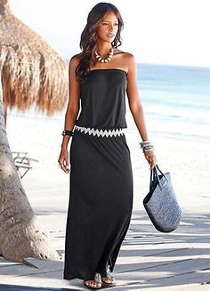 Opt for a flattering, sleek outlook with this fab bandeau maxi dress! Featuring … Opt for a flattering, sleek outlook with this fab bandeau maxi dress! Featuring an elasticated waist with a trendy zigzag print, and a long flowing skirt t Short Beach Dresses, Long Summer Dresses, Summer Outfits, Summer Maxi, Holiday Outfits, Spring Summer, Black Women Fashion, Look Fashion, Fashion Outfits