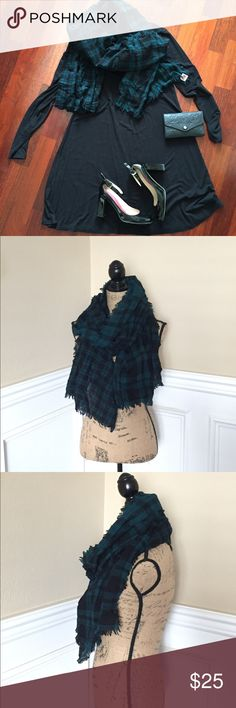 Green and Black tartan plaid wool Madewell scarf Warm and lightweight wool scarf by Madewell. Recently dry cleaned and in perfect condition Madewell Accessories Scarves & Wraps