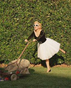 Bette Midler by Annie Leibovitz
