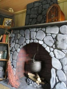 HF member said: I just had to share this. I thought others might like to see this prop. fireplace prop she built out of foam board for her Witch House in her yard haunt. make one for a witches kitchen. Classy Halloween, Holidays Halloween, Fall Halloween, Halloween Decorations, Halloween Prop, Happy Halloween, Village Miniature, Halloween Fireplace, Faux Fireplace