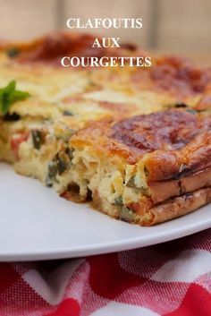 Zucchini and tomato mozzarella clafoutis - mozzarella tomatoes. Light clafoutis courgettes tomatoes mozzarella to serve with a sal - Vegan Zucchini Recipes, Healthy Zucchini, Healthy Salad Recipes, Vegetarian Recipes, Crockpot Recipes, Cooking Recipes, Zucchini Tomato, Dinner Recipes, Dessert Recipes