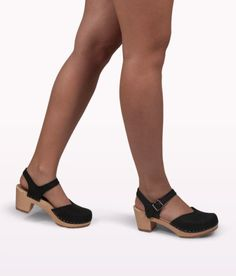 Victoria black wooden clogs for women 5