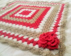 Strawberry Tan and White Baby Blanket  Crochet por BeanyAndNoodle, $39.95