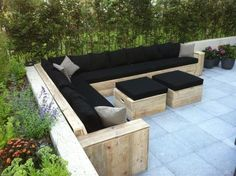 Black.. enjoy the summer with friends & family on this couch.. wauw!