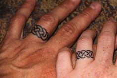 Tattoo ring-cord of three strands, Inversion :)