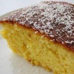 A receita de Bolo de Côco e Ananás é uma combinação perfeita entre ingredientes, num bolo que acompanha finamente um bom chá, em dias mais frescos. Um perfeita sintonia de …